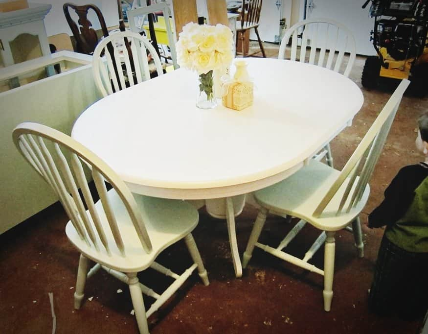 White Pedestal Table With Duck Egg Blue Chairs